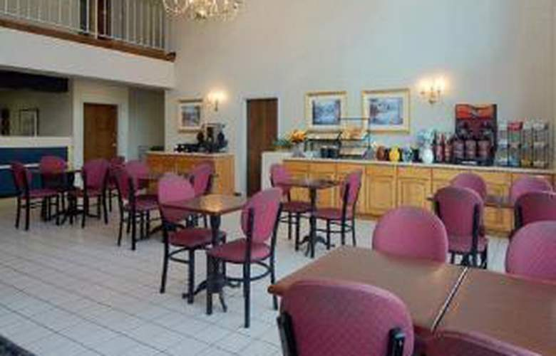 Comfort Inn Aikens Center - General - 1