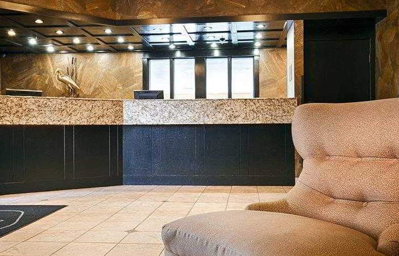 Best Western Plus Lincoln Inn - Hotel - 1