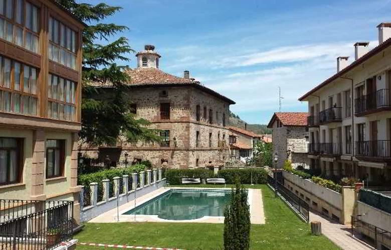 Palacio Azcarate Hotel - Pool - 3