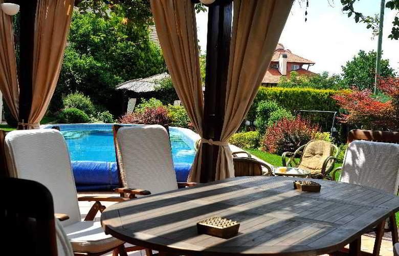 Villa Saga Paradiso - Restaurant - 6
