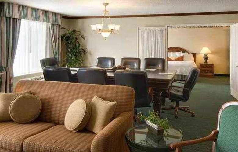 Hilton Garden Inn Tampa East/Brandon - Hotel - 5