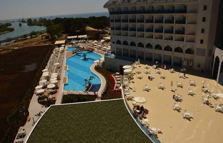 Water Side Delux Resort - Pool - 43