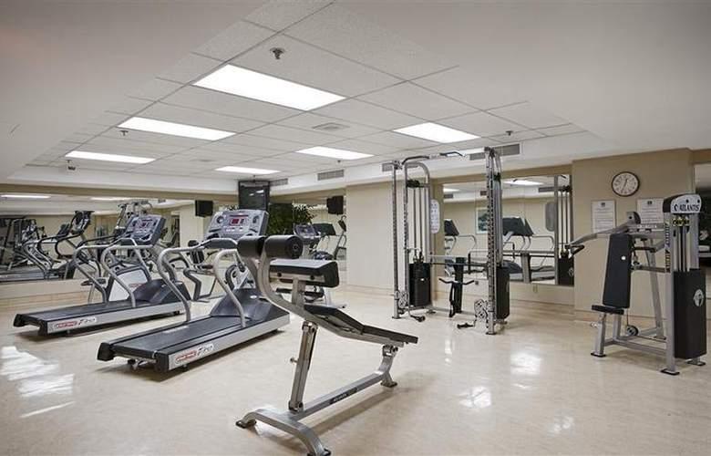 Best Western Ville-Marie Hotel & Suites - Sport - 54