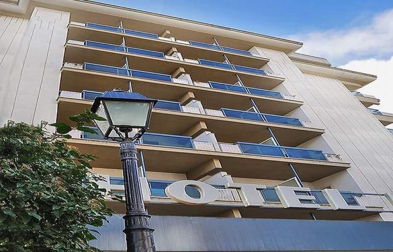 Pineta Palace - Hotel - 1