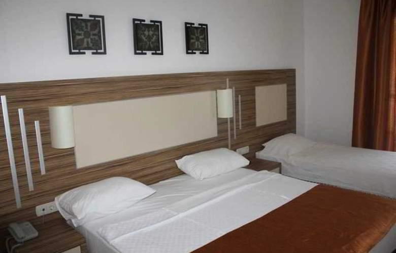 Serhan - Room - 8