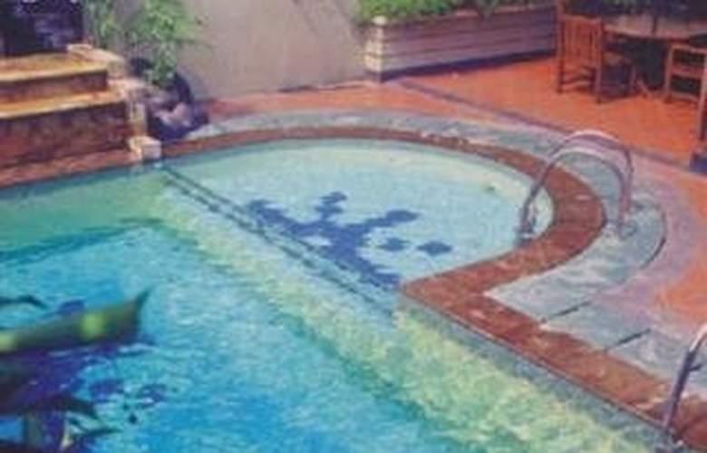 Geulis - Pool - 5