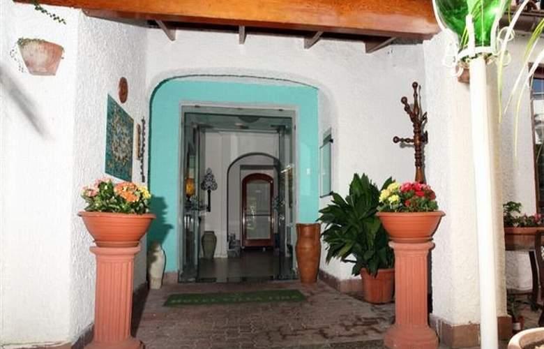 Villa Tina - Hotel - 0