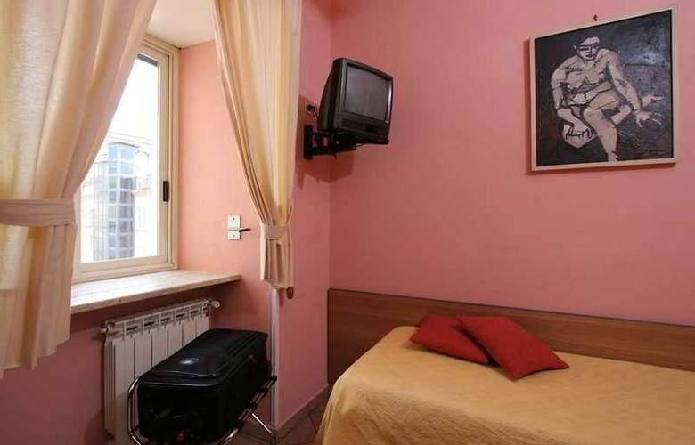 Europeo & Flowers - Sea Hotels - Room - 4