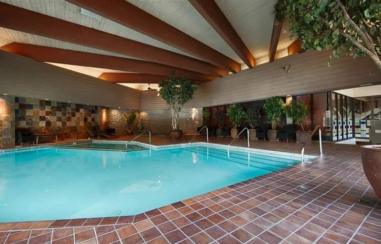 Jasper Inn & Suites - Pool - 8