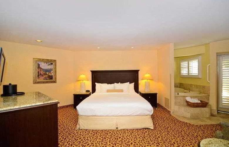 Best Western Plus Laguna Brisas Spa Hotel - Hotel - 11