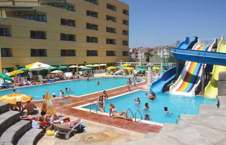 Esra Family Suite - Pool - 8