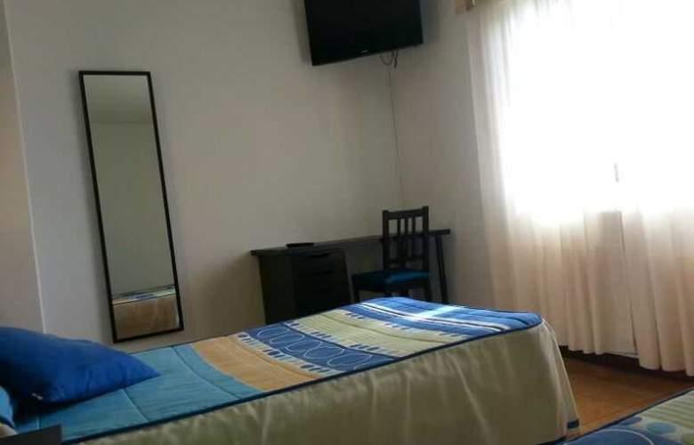 Azcona - Room - 3