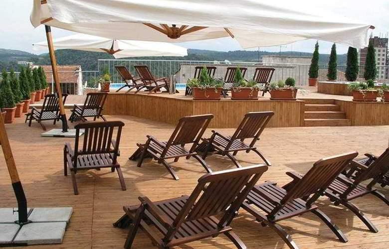 Veliko Tarnovo Hotel Premier - Terrace - 7