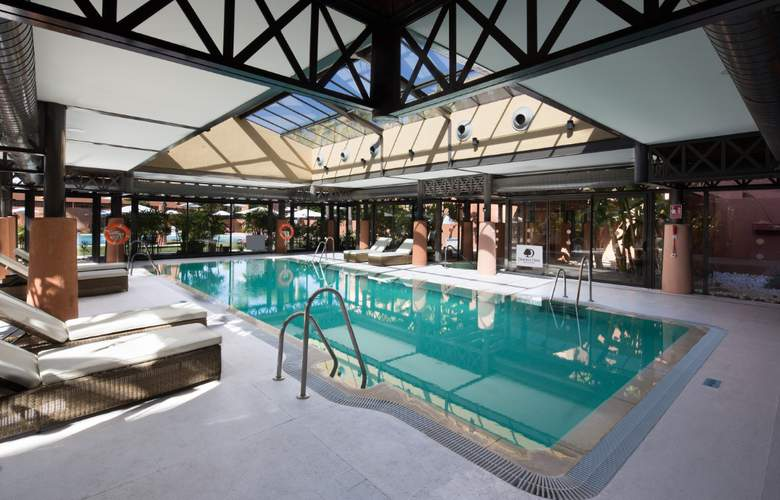 DoubleTree by Hilton Islantilla Beach Golf Resort - Pool - 17