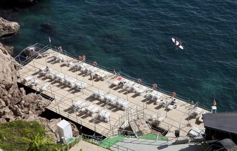Adonis Hotel - Beach - 8