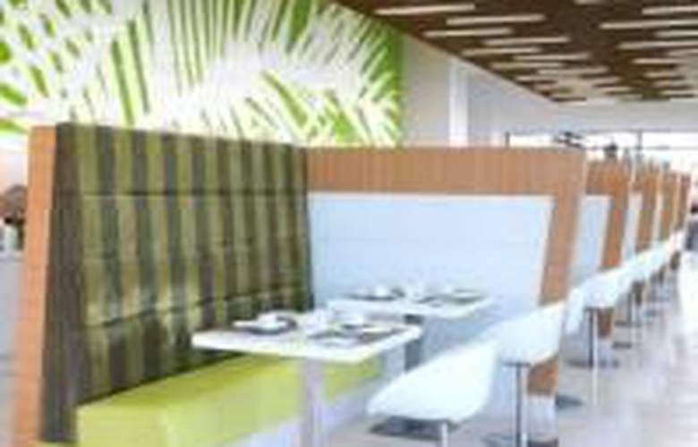Park Inn by Radisson Abu Dhabi - Restaurant - 5
