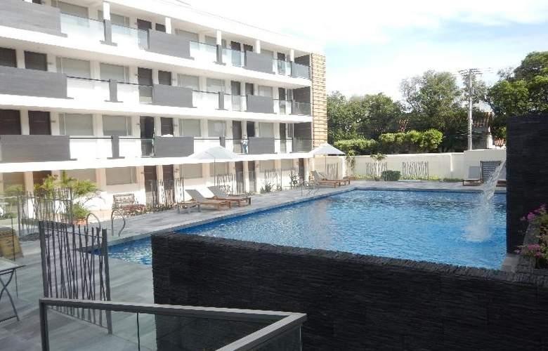 CasaBlanca - Pool - 37