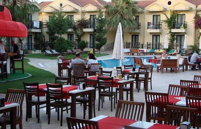 Harman Hotel - Terrace - 7