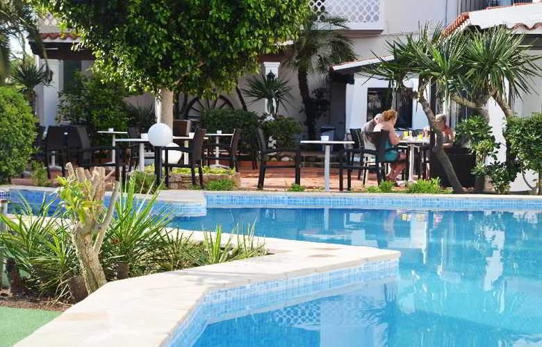 Azuline Hotel Galfi - Pool - 2