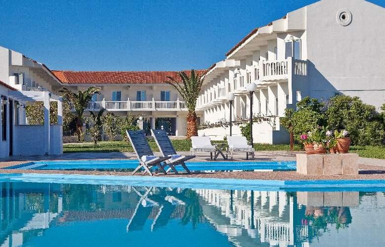 Chryssana Beach - Hotel - 0