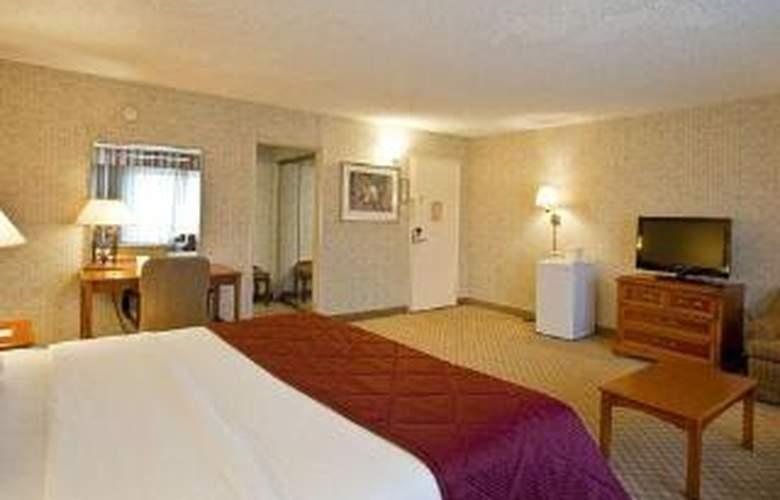 Clarion Hotel Near Fairplex - Room - 2