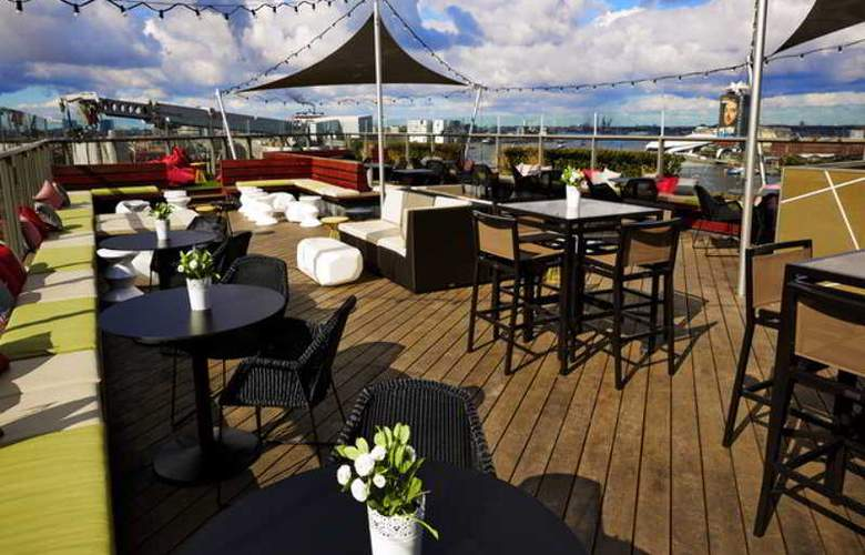 DoubleTree by Hilton Amsterdam Centraal Station - Terrace - 36