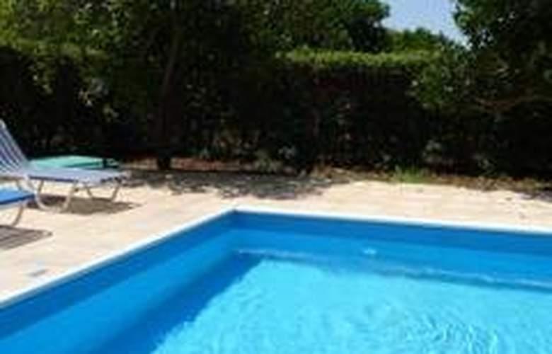 Natura Beach Villas - Pool - 4