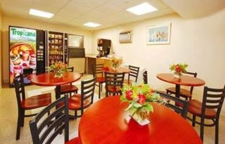 Suburban Extended Stay Logan Airport - Restaurant - 3