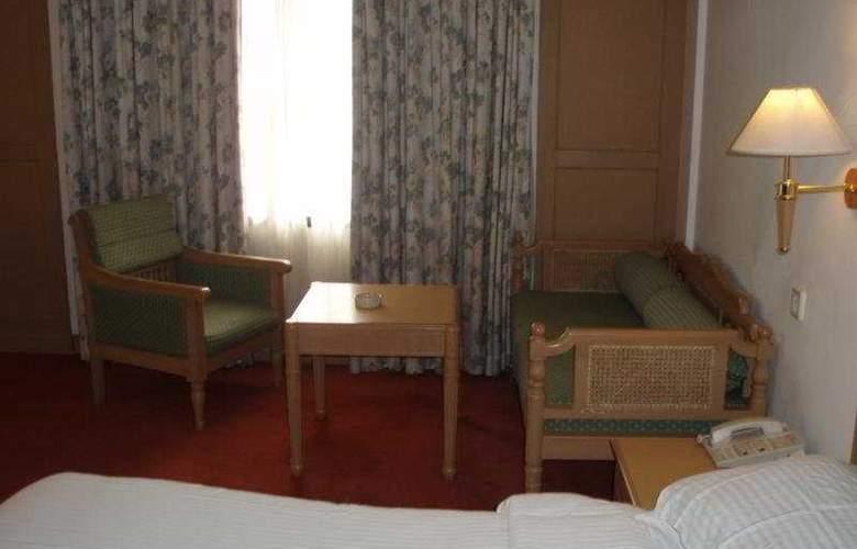 Abad Atrium - Room - 8