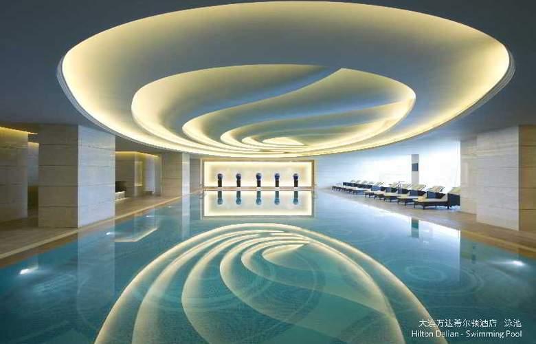 Hilton Wanda Dalian - Pool - 2