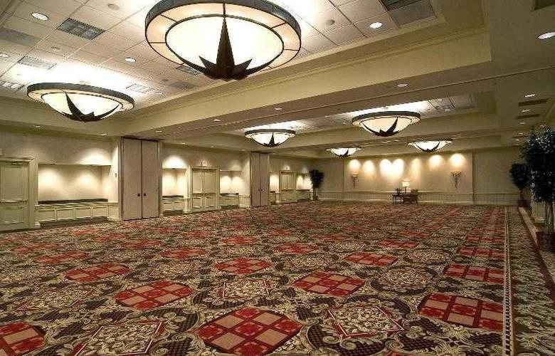 Sheraton Suites Houston near the Galleria - Hotel - 13