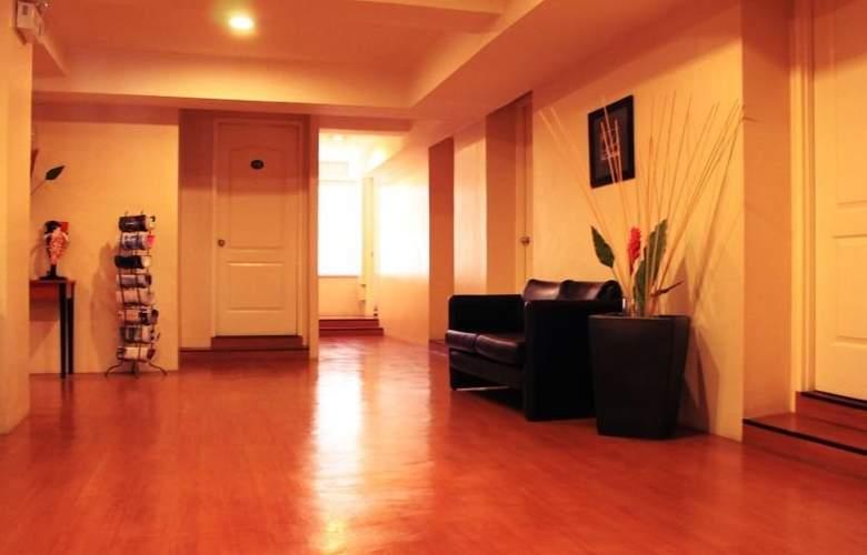 Creekside Amorsolo Hotel - Hotel - 1