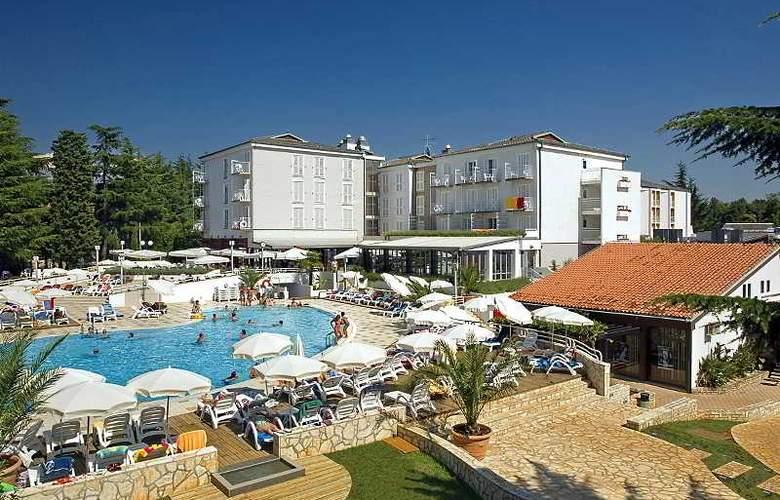 Valamar Pinia Hotel - Hotel - 0