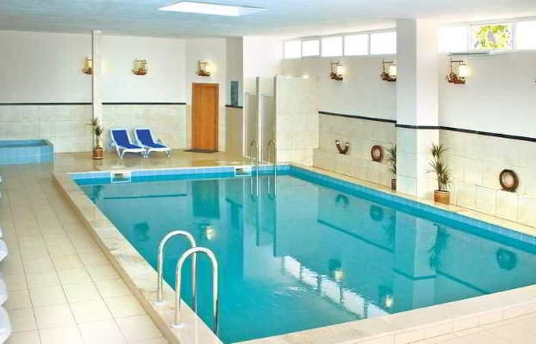 Daima Resort - Pool - 13