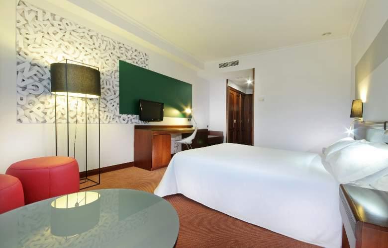 Tryp Santiago - Room - 2