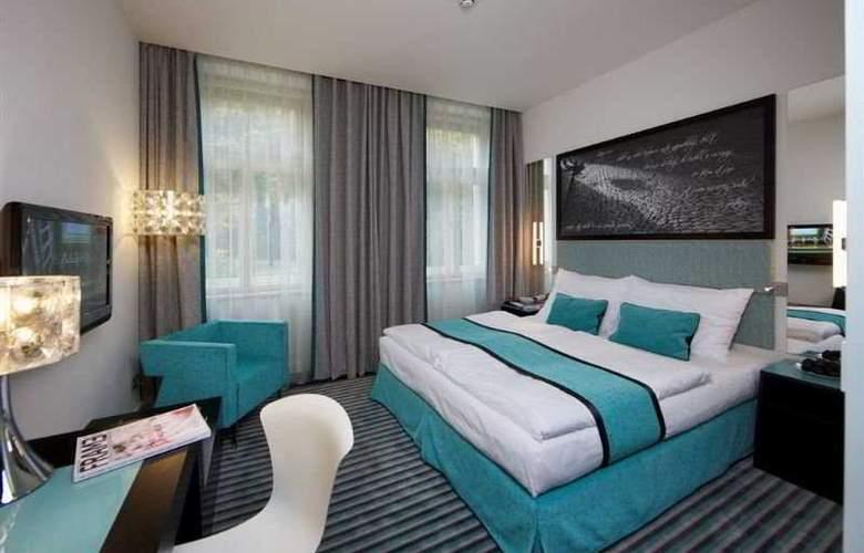 Red & Blue Design - Room - 5