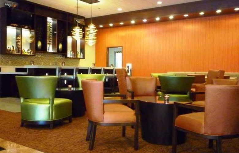Doubletree Sacramento - Bar - 17