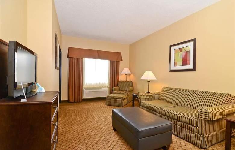 Best Western Plus Macomb Inn - Room - 45