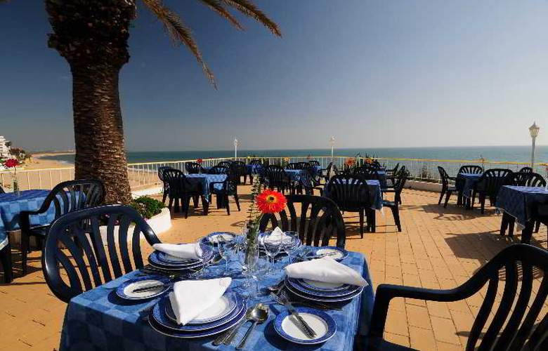 Holiday Inn Algarve - Terrace - 29