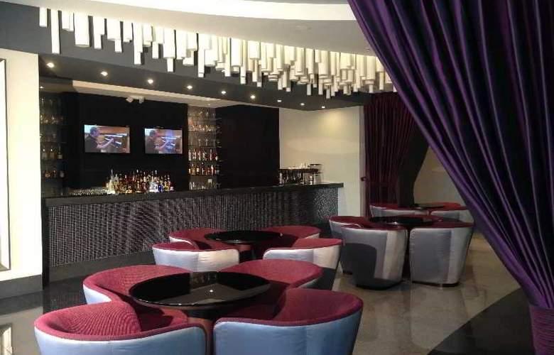 Wyndham Guayaquil - Bar - 14