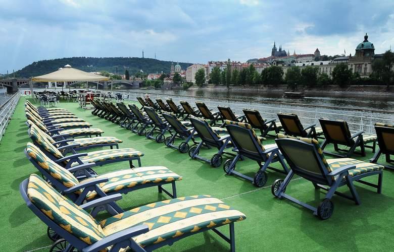 Florentina Boat - Terrace - 4
