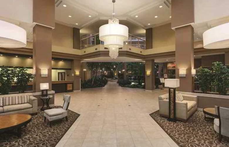 Embassy Suites Birmingham - Hotel - 2