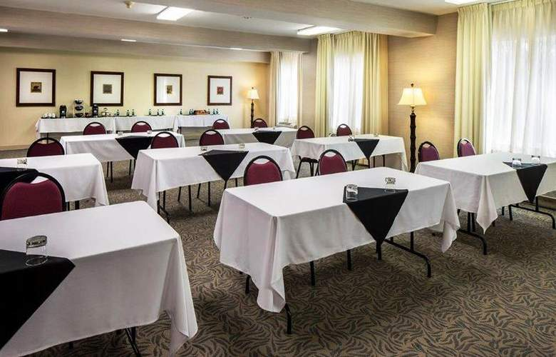 DoubleTree by Hilton Hotel Bend - Conference - 14