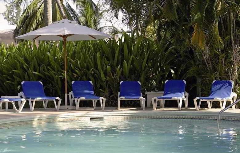 Almond Casuarina Beach Resort All Inclusive - Pool - 5