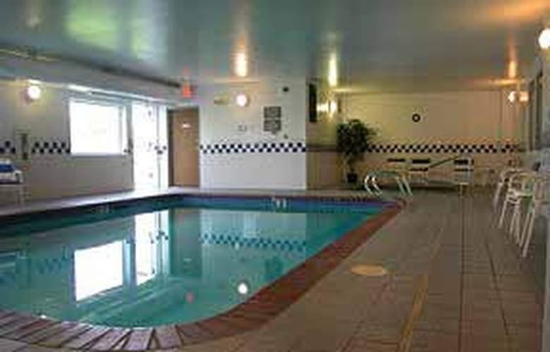 Comfort Inn (Ellensburg) - Pool - 5