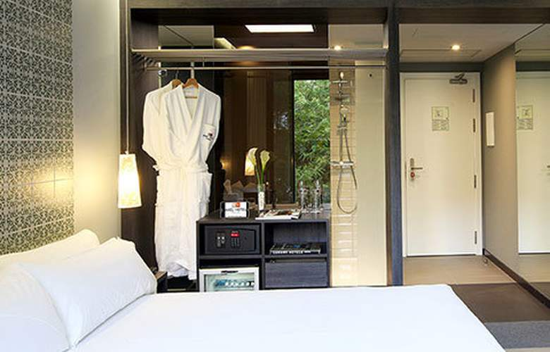 Two Hotel Barcelona By Axel - Room - 8