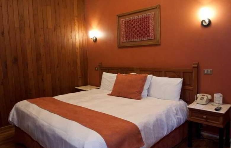 Ciudad Real Centro Historico - Room - 4