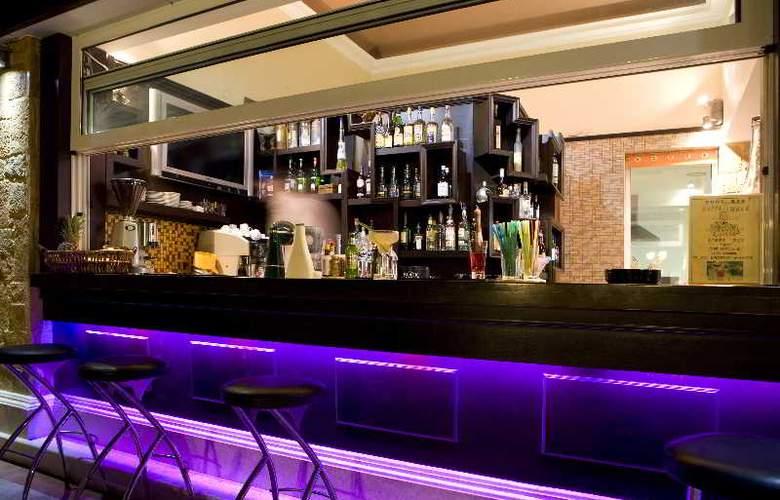 Zeus Village - Bar - 3