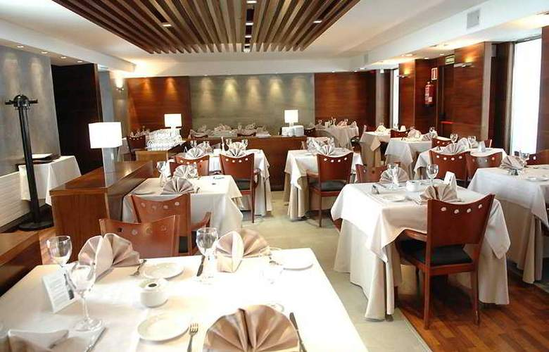 President - Restaurant - 12