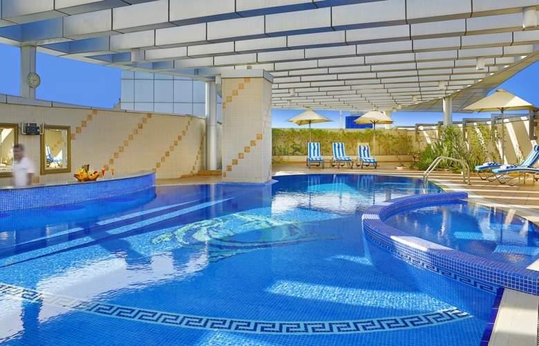 City Seasons Dubai - Pool - 3